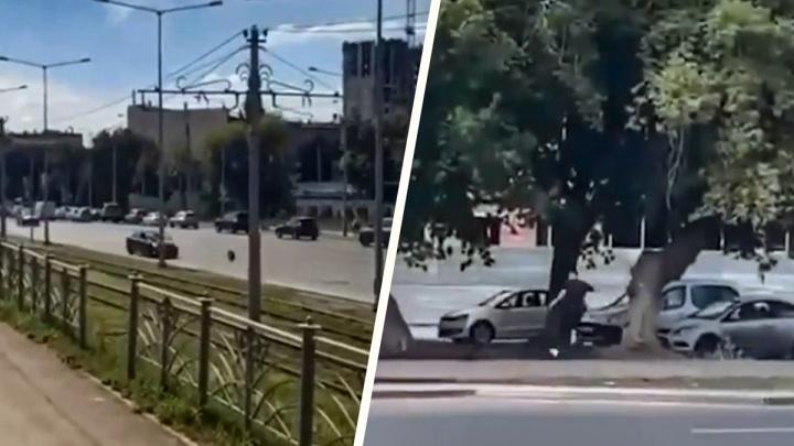 «Летело как пуля»: на Ново-Садовой мужчина поймал оторвавшееся от машины колесо