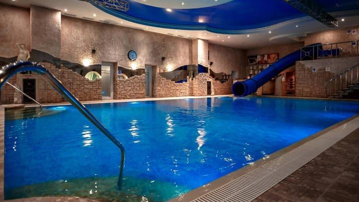 Водно-развлекательный клуб в Челябинске открыл бани и аквазону во время коронавирусных ограничений
