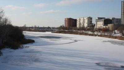 «На воде торчал только капюшон»: курганцы спасли детей, которые провалились под лёд