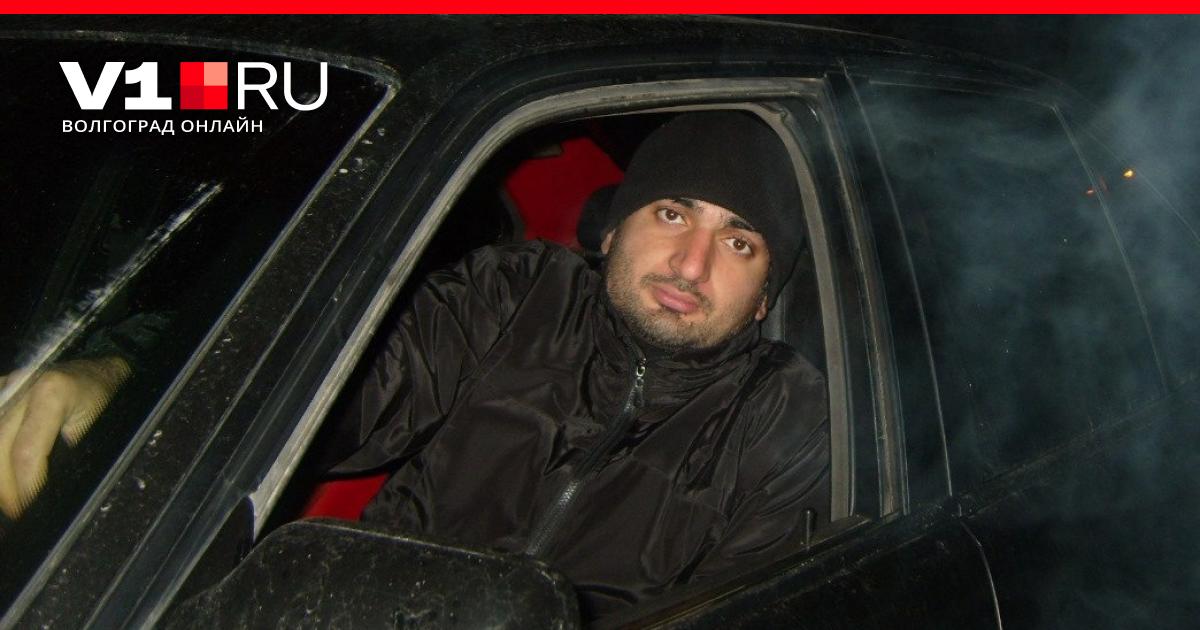Стало известно имя напавшего на полицейских в Волгограде водителя BMW