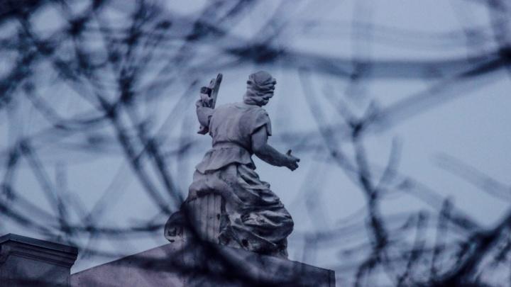 Взбесилась ведьма злая: последние капризы зимы попали в объектив фотографа
