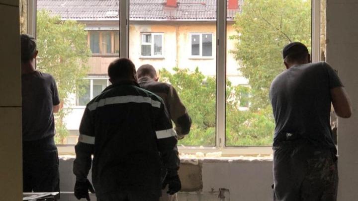 В Кемеровской поликлинике начали капитальный ремонт. Впервые за 40 лет