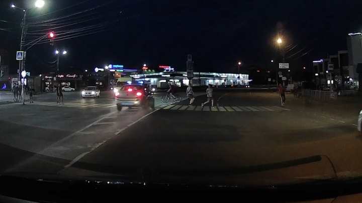 Наезд машины Росгвардии на ребенка на Бору попал на видео