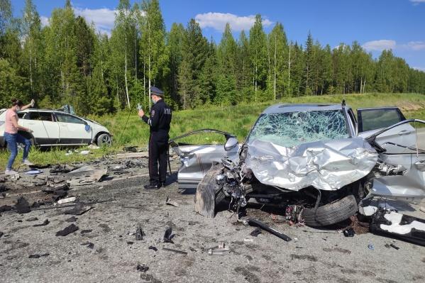 В ДТП на границе ХМАО и Свердловской области погибли четыре человека