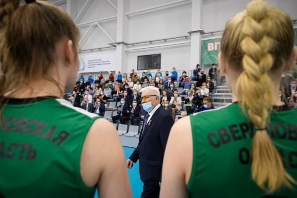Академию назвали в честь легендарного тренера «Уралочек» Николая Карполя