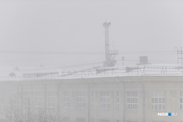 Первый день календарной весны начался со снегопадов