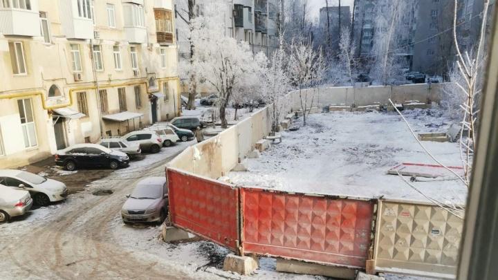 «Наш дом рухнет!»: самарцы просят остановить точечную застройку на проспекте Карла Маркса