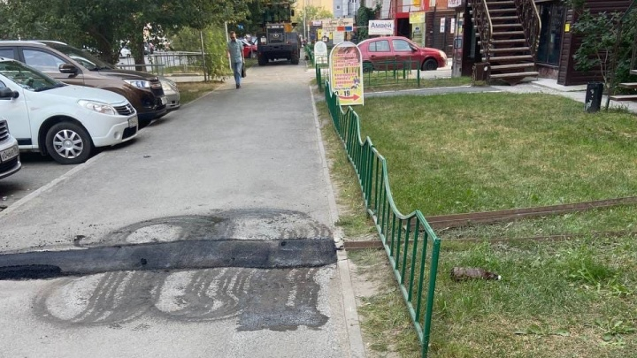 Жители тюменской 14-этажки пожаловались на демонтаж ливневки. Оказалось, это было запланировано