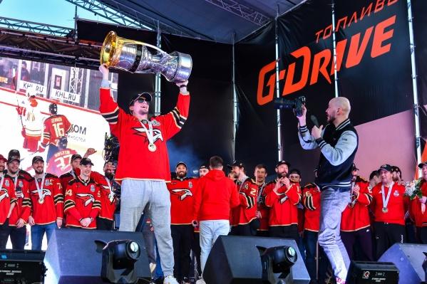 Клим Костин стал чемпионом КХЛ с омской командой