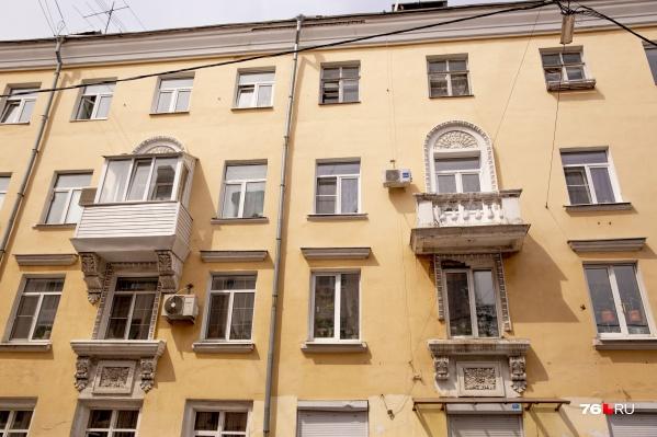 Пластик скрыл всю красоту оригинального балкона