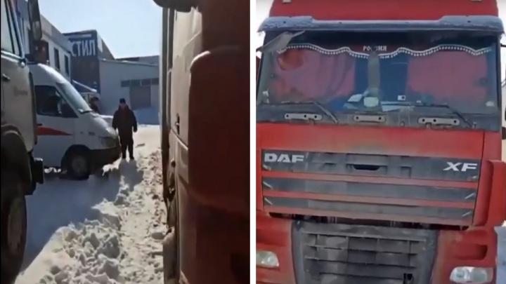 В Уфе ищут родственников дальнобойщика, умершего за рулем. Его грузовик нашли другие водители