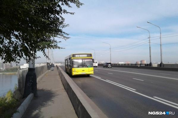 Выделенные полосы решили проблему с пробками для общественного транспорта