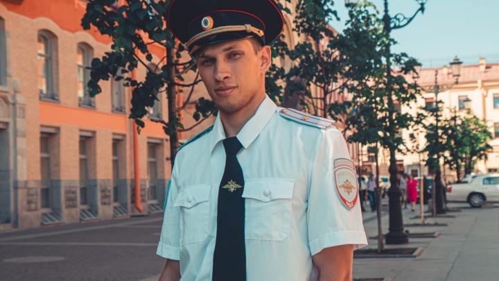 В Санкт-Петербурге задержали пермского тиктокера, который плясал на улице в форме майора полиции