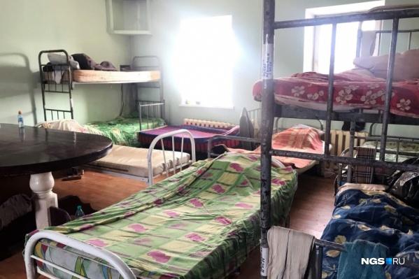 В феврале загорелась пристройка к дому, поэтому постояльцев срочно эвакуировали