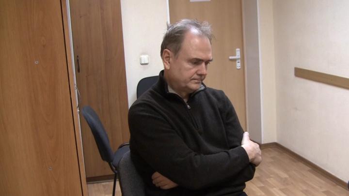 Омский суд отправил в колонию украинца, который пытался вывезти детали для военной техники