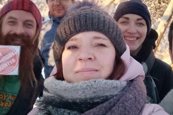 Соратники Елены обеспокоены тем, что она не выходит на связь