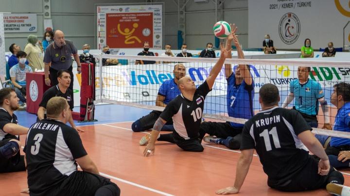 Екатеринбургские спортсмены завоевали серебро чемпионата Европы по волейболу сидя