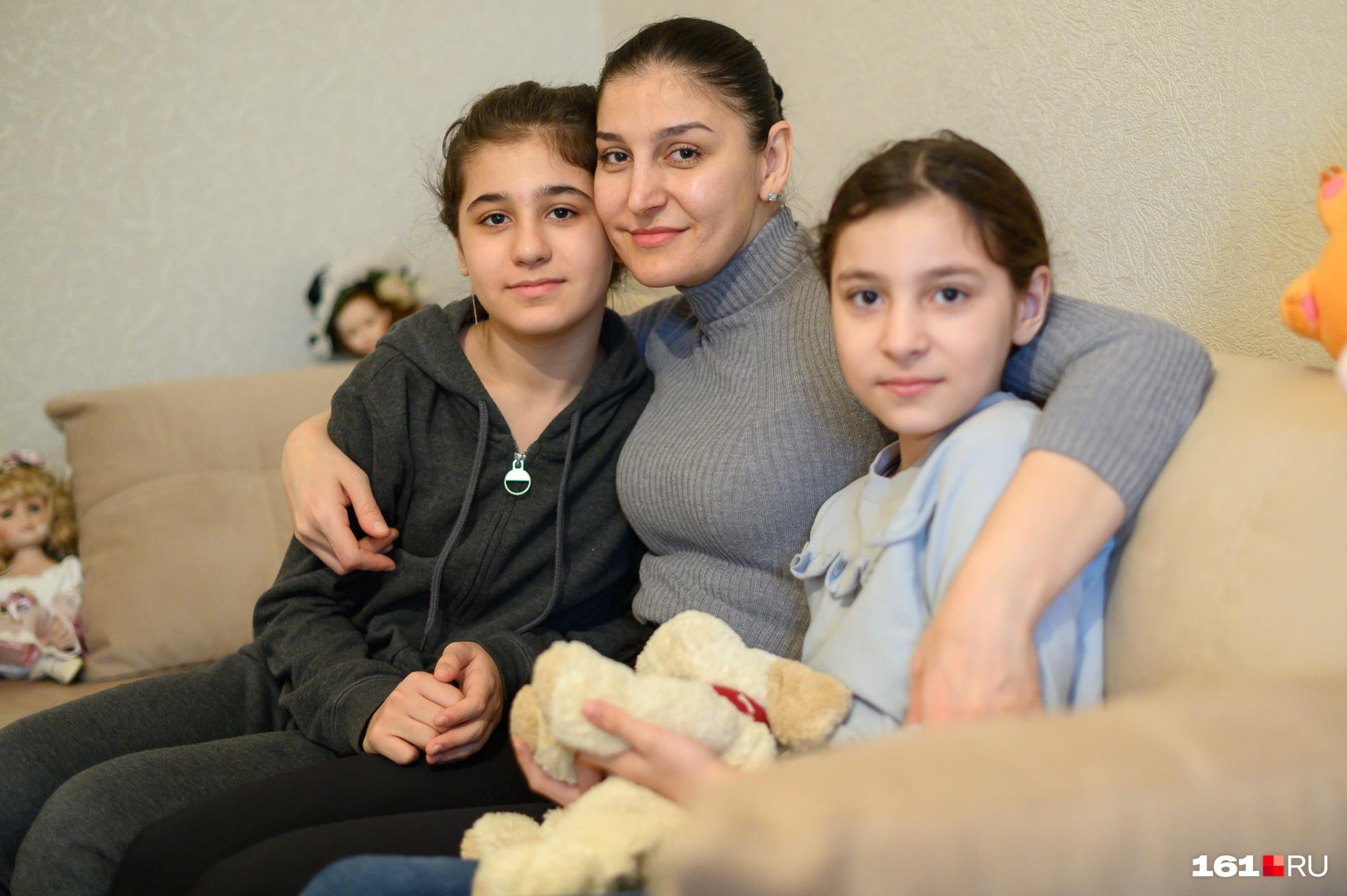 Девочки Пашалиевой теперь будут ходить в новую школу, построенную пару лет назад