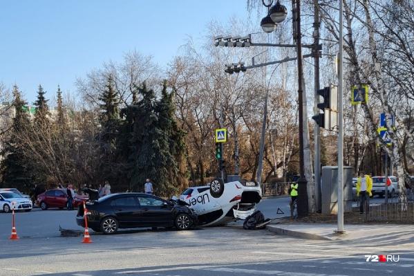 Последствия столкновения автомобилей