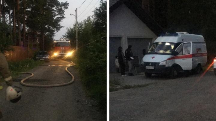 На Изоплите при пожаре в частном доме пострадал человек