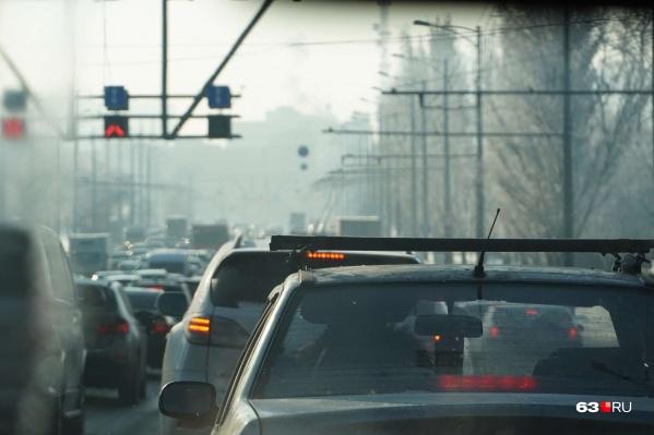 Движение было парализовано на участке Московского шоссе от проспекта Кирова до улицы Советской Армии
