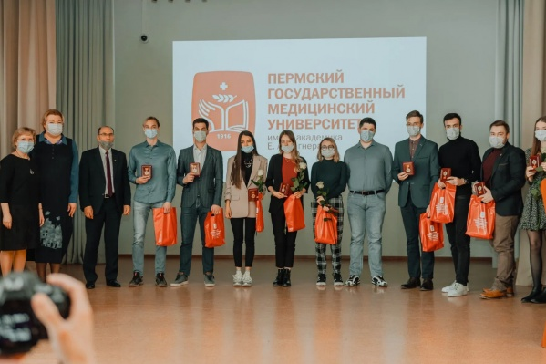 На вручении награды«Студенты-медики против коронавируса»