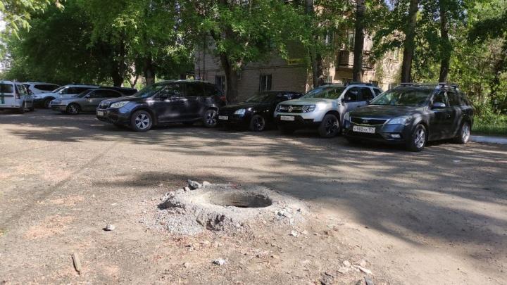 Спустя сутки после падения ребенка в колодец власти Челябинска обратились к горожанам. Давайте поможем мэрии