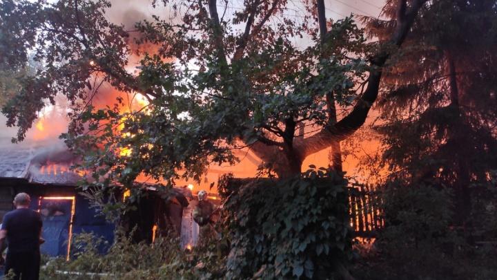 Этот город в огне. Онлайн с пожаров в Нижегородском кремле и на улице Невзоровых