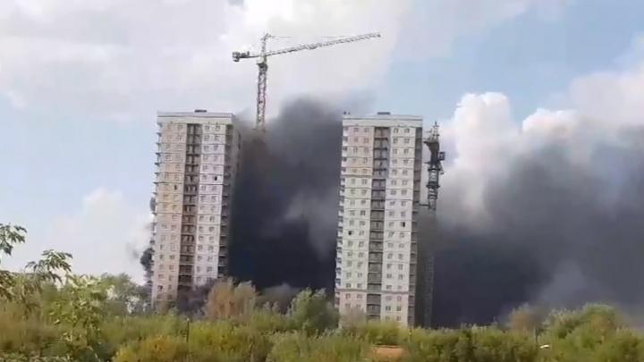 На Лесобазе едва не сгорел строящийся жилой комплекс