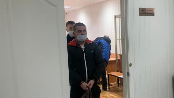 «Нет ни претензий, ни заявления»: в Волгограде под домашний арест отправили участника драки маршрутчиков