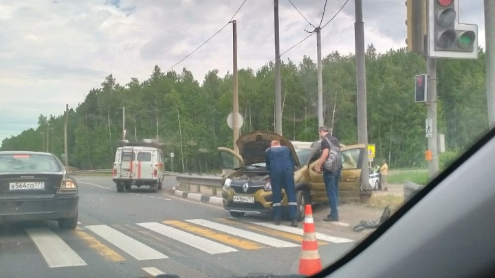 ДТП в Ростовском районе: пострадали две москвички