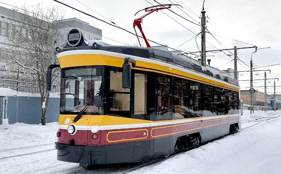 Вагон выглядит как старинный, но технически оснащен как современные трамваи