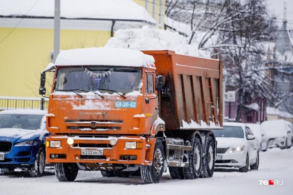 Уборкой улично-дорожной сети в этом году в Ярославле занимается «Горзеленхозстрой»
