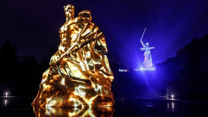 На Мамаевом кургане споет ансамбль Росгвардии и включат «Свет Великой Победы»