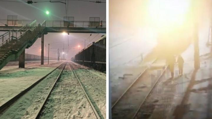 Маленькая девочка погибла под колесами поезда во время прогулки с пьяным отцом