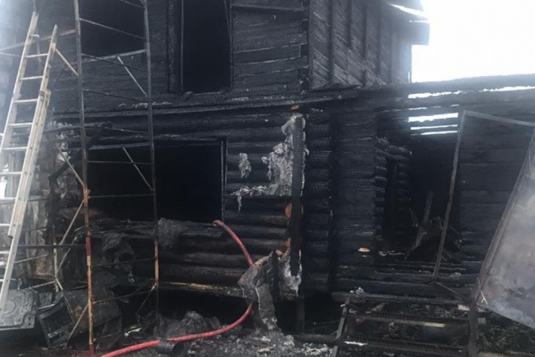 Фото с места происшествия — все, что осталось от дома