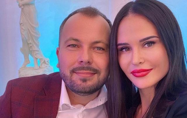 Жена певца Ярослава Сумишевского умерла в больнице в Красноярске после ДТП