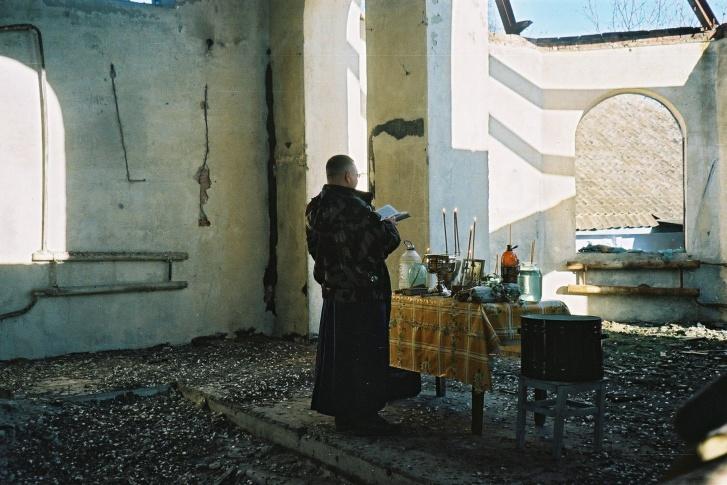 «Одни священники стреляются от нищеты, а другие на Бентли разъезжают»