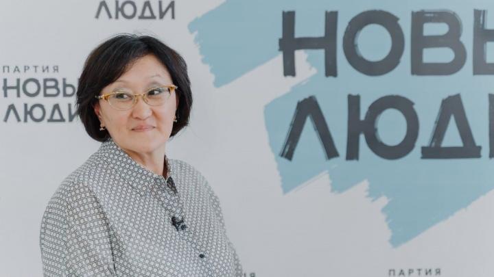 Прославившаяся борьбой с роскошью экс-мэр Якутска похвалила власти Ростова за продажу элитных авто