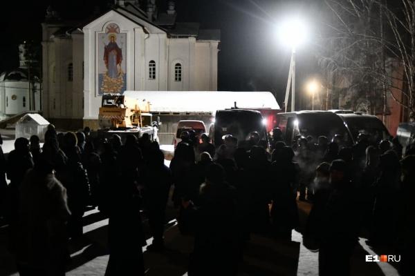 Несколько сотен правоохранителей участвуют в операции, по словам соратников Сергия