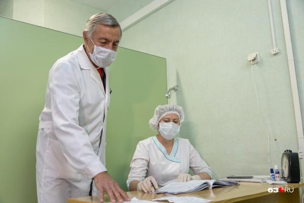 При ухудшении самочувствия стоит не откладывая обращаться к врачам