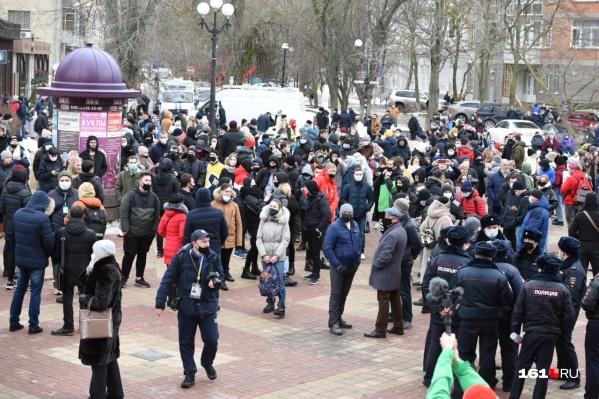 Перед началом акции в Ростове арестовали несколько активистов штаба Навального