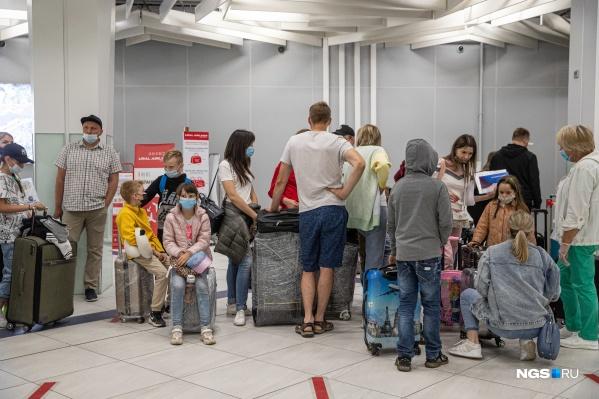 Как добиться компенсации за то, что ваш рейс задержали или вас на него не посадили, отвечают эксперты