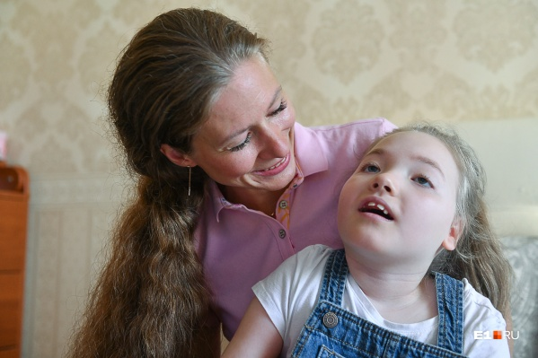 Елена с дочкой Машей