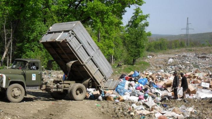 Прокуратура возбудила дело из-за нелегальной свалки в Краснодаре. На нее выбрасывали опасные медицинские отходы
