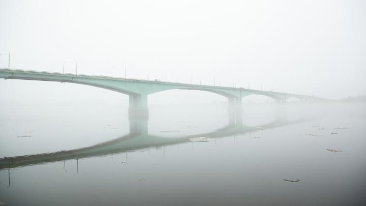 Власти рассказали, когда заделают ямы на Октябрьском мосту