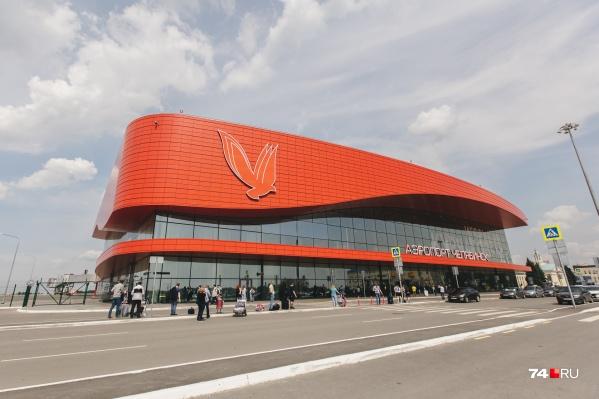 Инцидент в аэропорту произошел с самолетом, вылетевшим в Москву