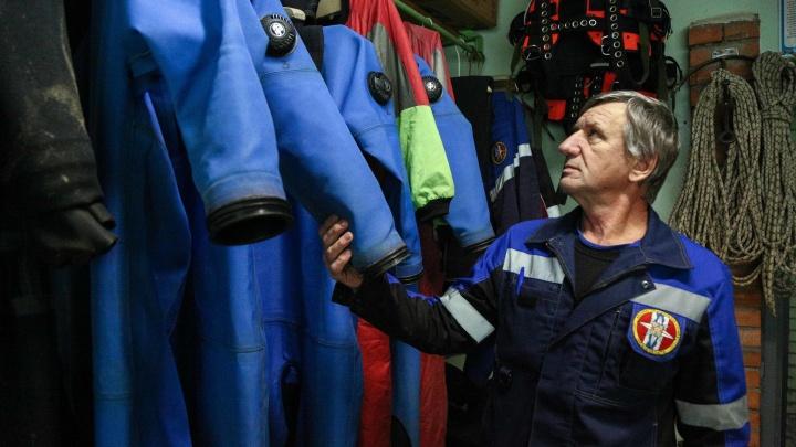 Снимают людей с колеса обозрения и вырезают из смятых машин: как работают спасатели в Омске
