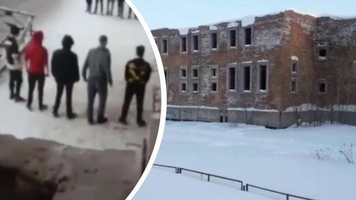 «Конфликт возник в процессе игры»: МВД и прокуратура проверяют массовую драку подростков в Игарке