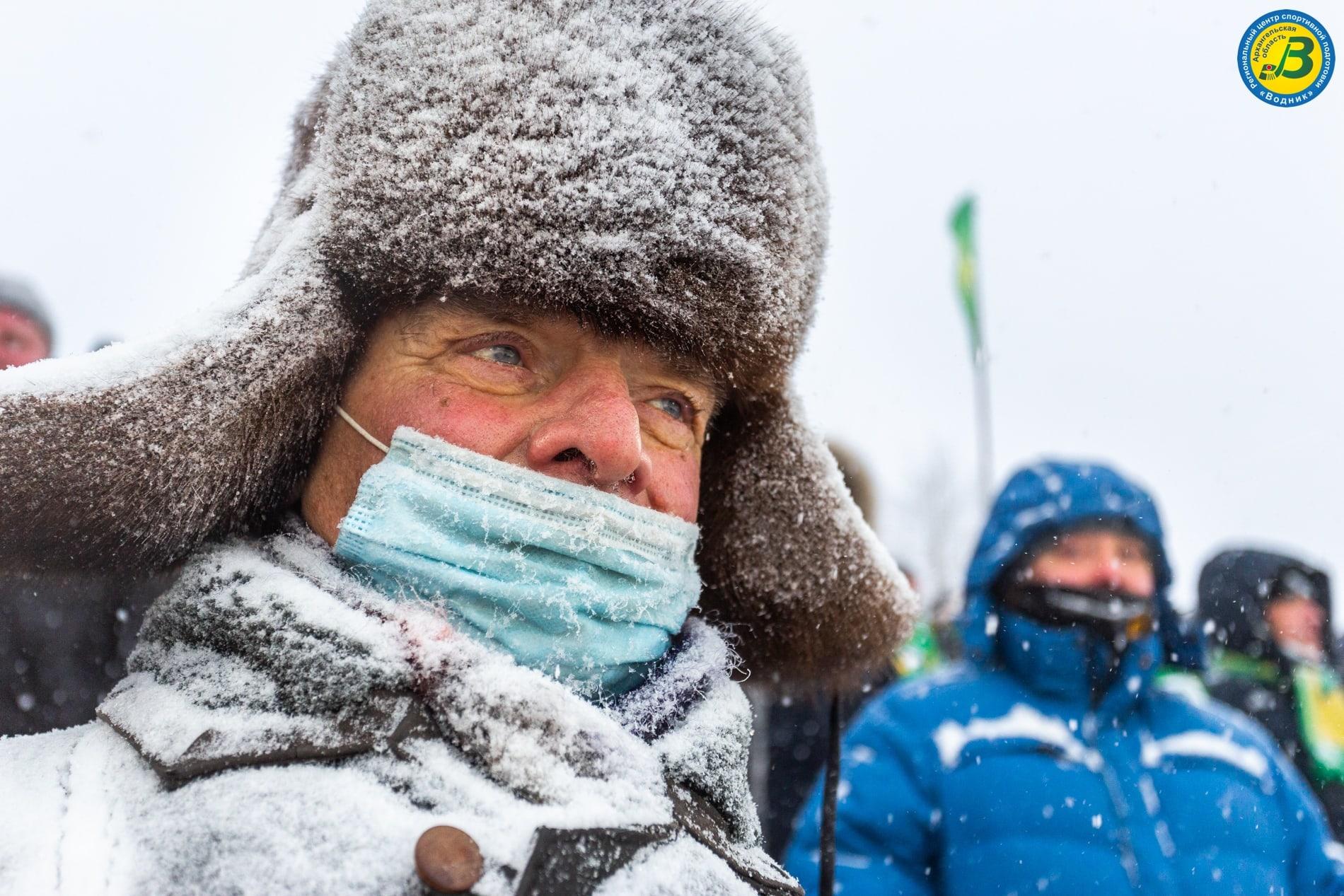 Болельщикам на «Труде» в снегопад тоже было непросто